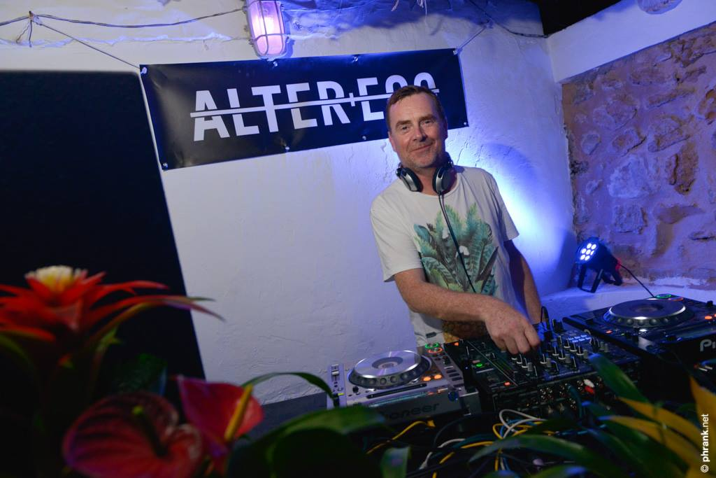 download → Nick Warren - Live at Alter+Ego Secret Surf Party, Santa Eularia, Ibiza - 20-Sep-2015
