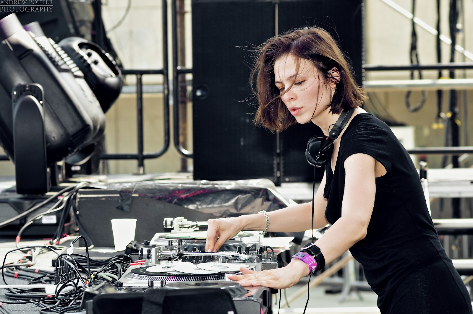 Nina Kraviz - Essential Mix - 07-Oct-2017
